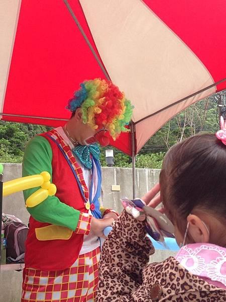 2014-10-04宏益玻璃家庭日-小丑氣球+活動工讀5