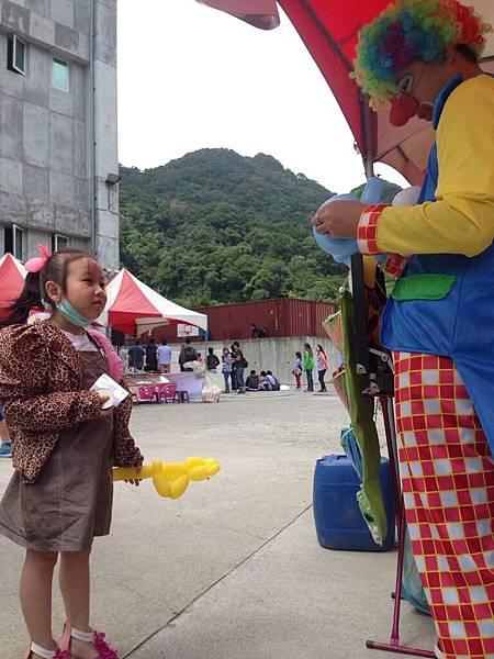 2014-10-04宏益玻璃家庭日-小丑氣球+活動工讀10