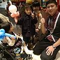 2014-12-13~12-14松山火車站街頭氣球12.jpg
