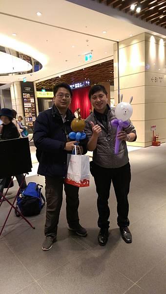 2014-12-13~12-14松山火車站街頭氣球20.jpg