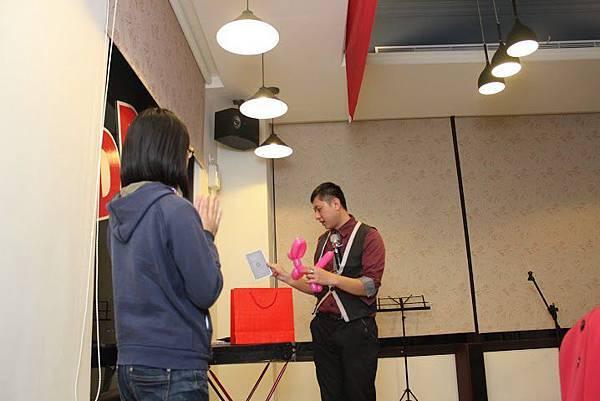 2014-11-22安麗DD之夜-魔術表演20.jpg