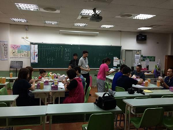 2015慧燈高中氣球研習3.JPG