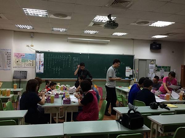 2015慧燈高中氣球研習4.JPG