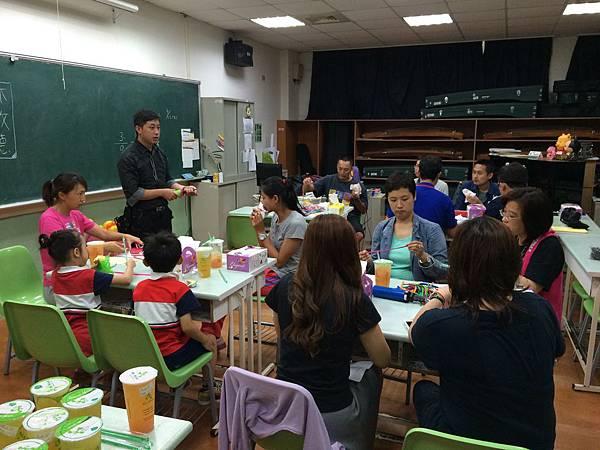 2015慧燈高中氣球研習10.JPG