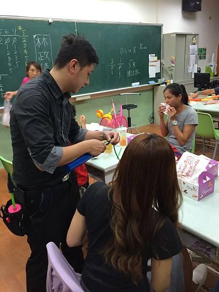 2015慧燈高中氣球研習13.JPG