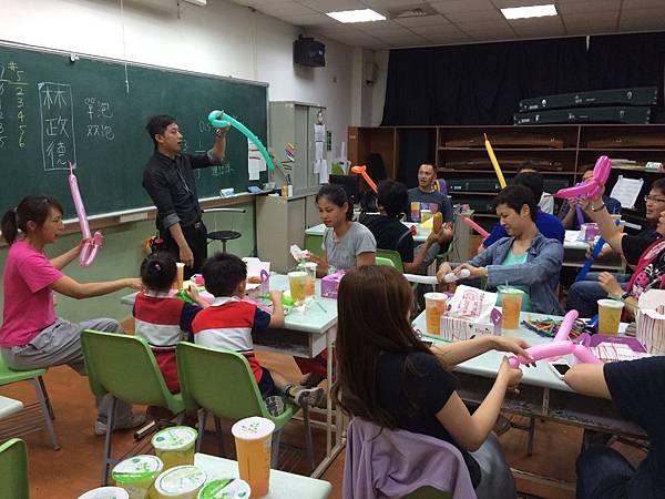 2015慧燈高中氣球研習16.JPG