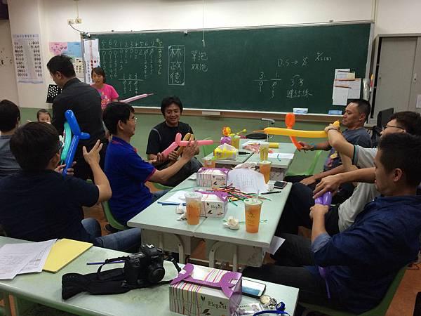2015慧燈高中氣球研習18.JPG