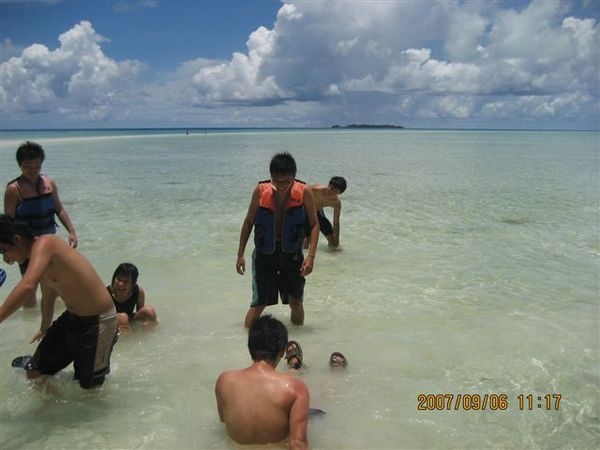 129.戲水的椰子男孩們.JPG