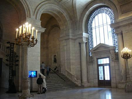 圖書館內部大廳