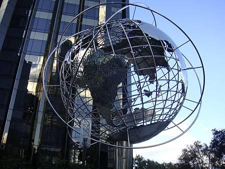 哥倫布圓環的地球儀