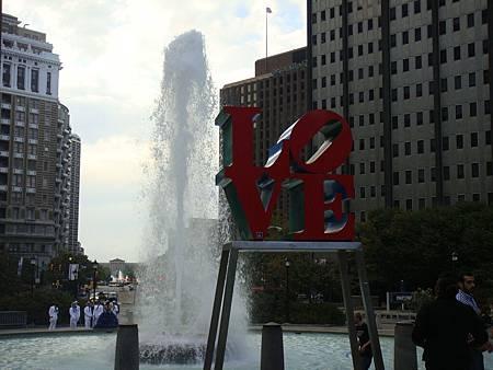 愛公園的LOVE雕像