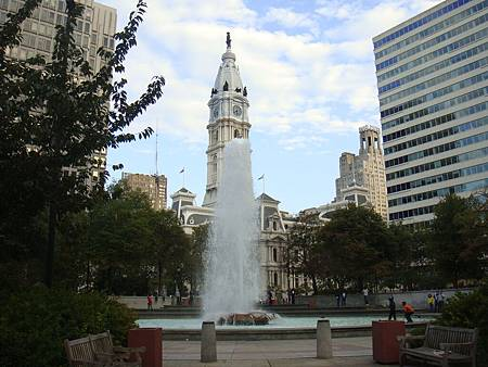 從愛公園看市政廳