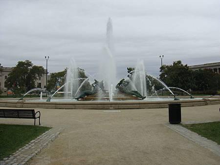 羅根廣場噴水池