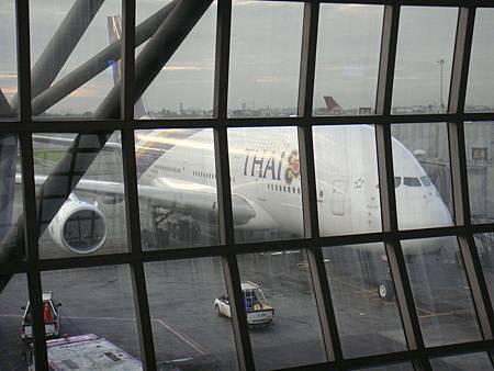 停留在曼谷機場的泰航A380超巨大飛機