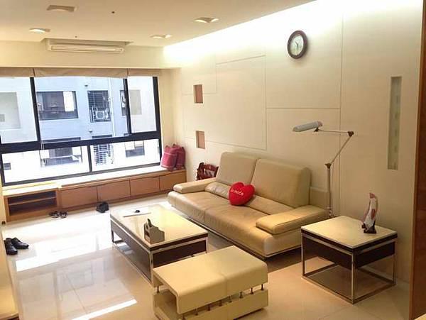 ◆小熊House:(售售售) ☆勝美術裝潢4房附平車★(西區)
