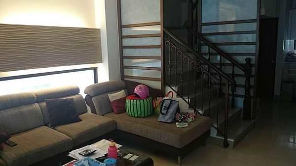 ◆小熊House:(售售售) ☆東區74號中山路出口新店墅★(東區)
