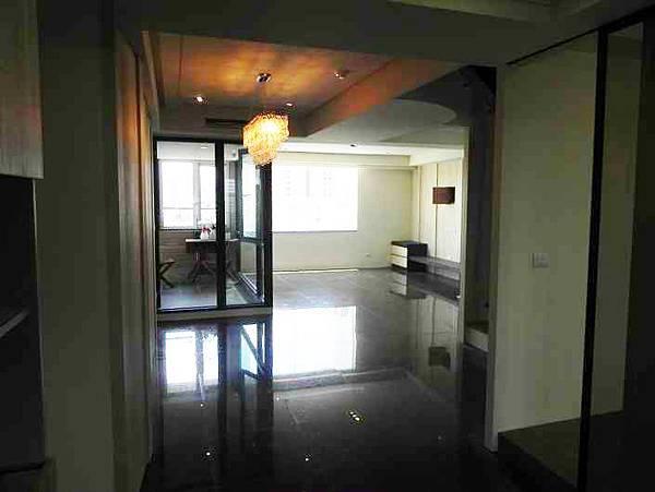 ◆小熊House:(售售售) ☆皇家龍邸視野樓中樓★(北區)