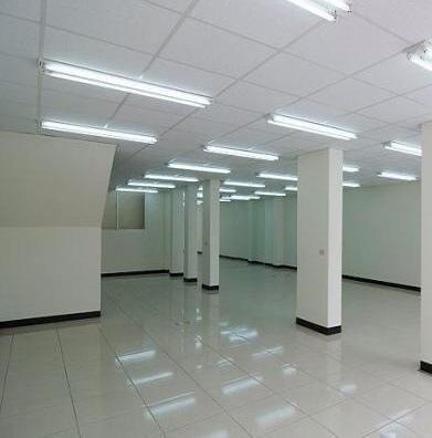 ◆小熊House:(售售售) ☆逢甲大學大面寬雙透店★(西屯區)