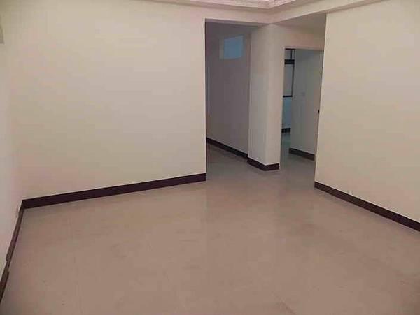 ◆小熊House【售售售】☆向上市場一樓美寓★(西區)