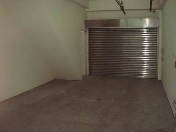 B1 - 車庫