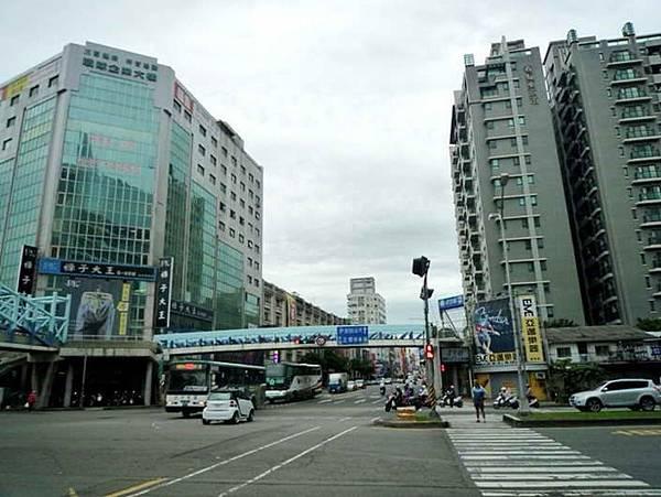 ◆小熊House【售售售】☆74號旁超值廠房★(東區)