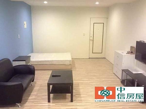 ◆小熊House【售】☆健康公園收租雙透店★(南區)
