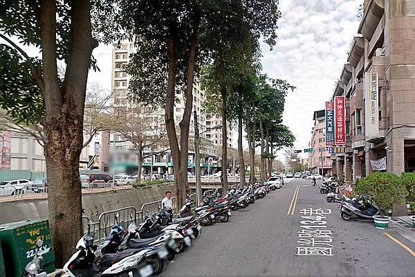◆小熊House【售】☆國光路1+2住三樓店★(南區)
