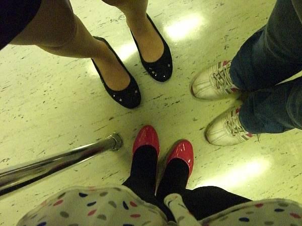 大家的鞋 XD
