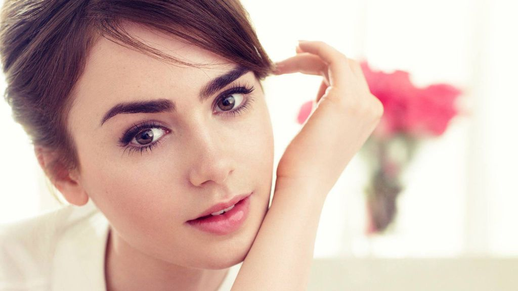 lily-collins-wallpapers-27038-1518825.jpg