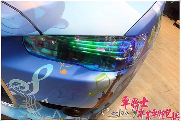 《MITSUBISHI FORTIS 客製化全車彩貼%26;大燈幻彩水藍、尾燈茶色燻黑改色包膜》   設定全車以藍色系為主色,採用夏日海灘的情境,陽光、浪花、衝浪板...等元素