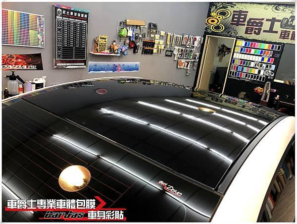 NEW MAZDA3 類全景天窗高亮黑車頂貼膜