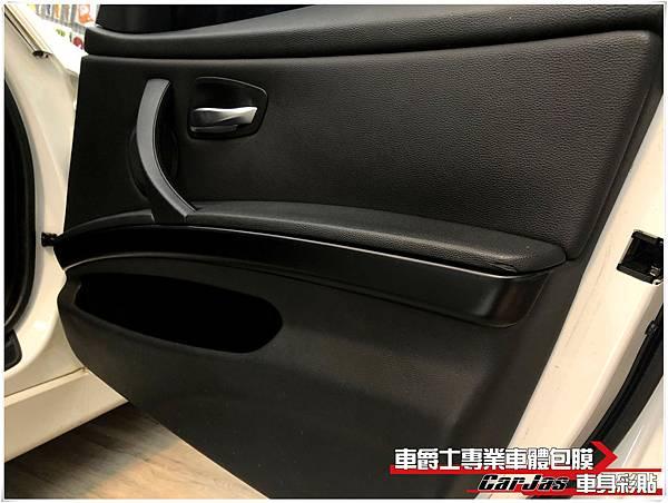 BMW 318i 內裝飾板 消光黑改色包膜
