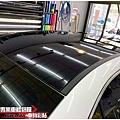BENZ CLA35 類全景天窗高亮黑車頂貼膜