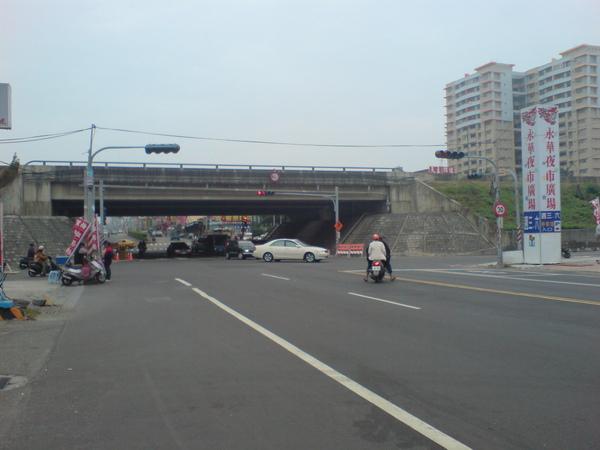 國道1號橋下