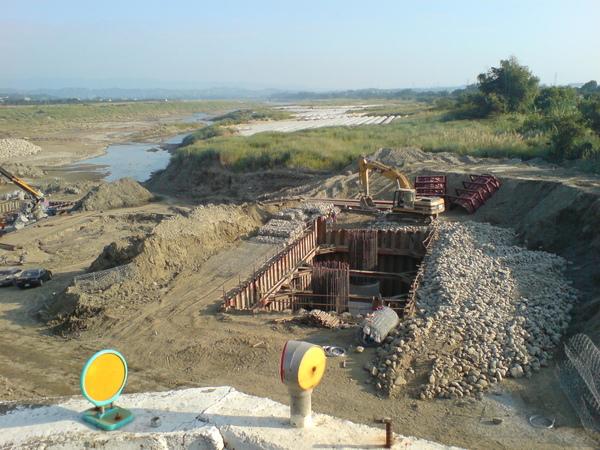 新橋改建工程3