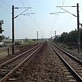 電車遠遠而過