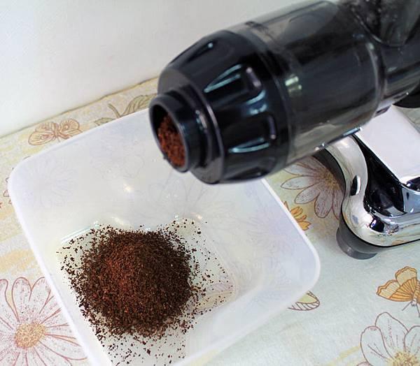 hurom809_磨咖啡豆_04