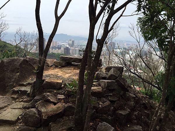 剪刀石by胡翔_170520_0049.jpg