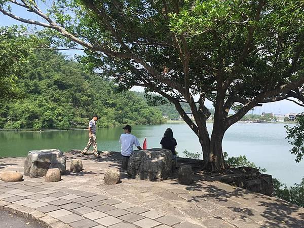 梅花湖5.jpg