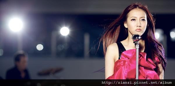弦子 華語樂壇首支冰上MV《逆風的薔薇》