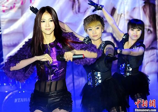 弦子北京專輯發表會唱跳新歌「心跳」