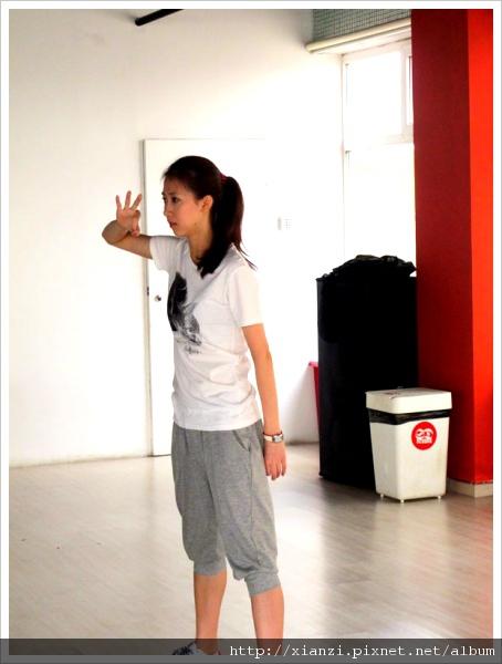 練舞中_專心自己練習