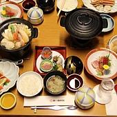 擺得滿滿一桌是吃部屋食一定要有的啦