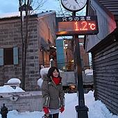 小樽散策-小樽運河 著名的溫度景點,哈哈氣溫並沒有很低,但在水邊會感覺比較冷