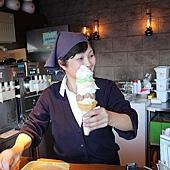 小樽散策-北一哨子三號館的六層冰淇淋