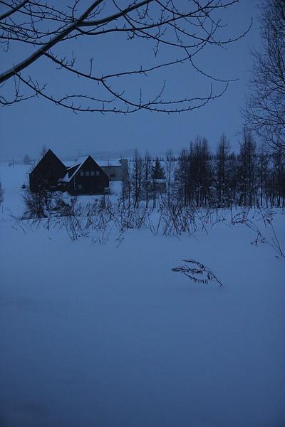 清晨窗外雪景