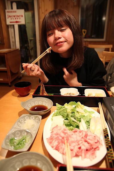 又想要學日本女孩的微笑