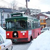 小樽散策-可愛的導覽公車