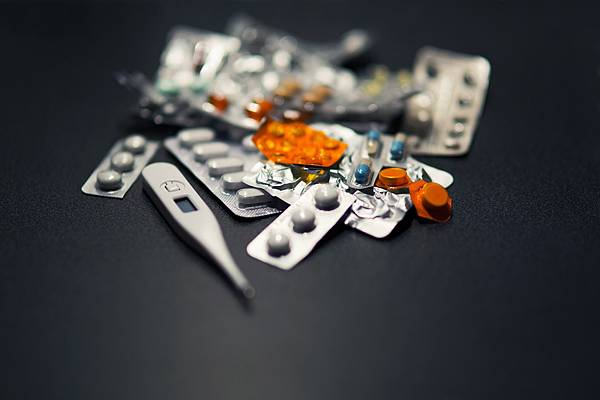 medicine-791817_1280