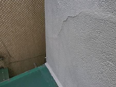 06牆面裂縫修補